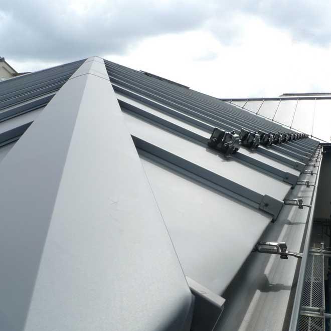 新築工事中の屋根